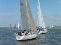 The start of IRC/ORC 3 and 4 in the 2015 North Sea Race - photo RORC